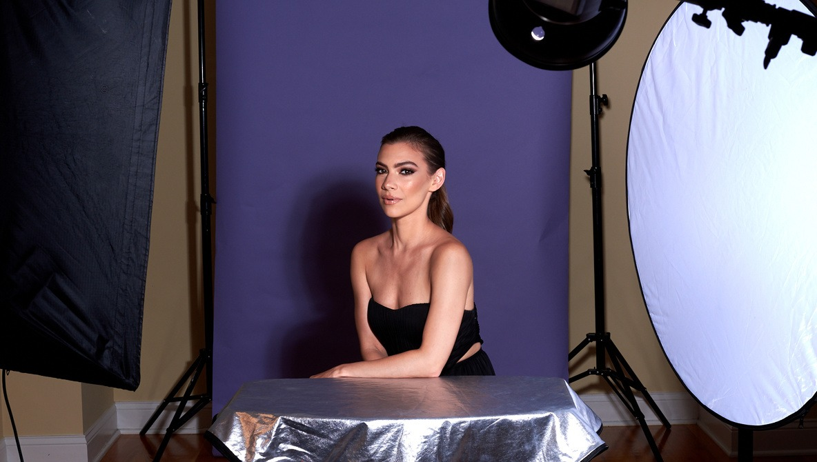 """Shooting Beauty With a 7"""" Reflector"""