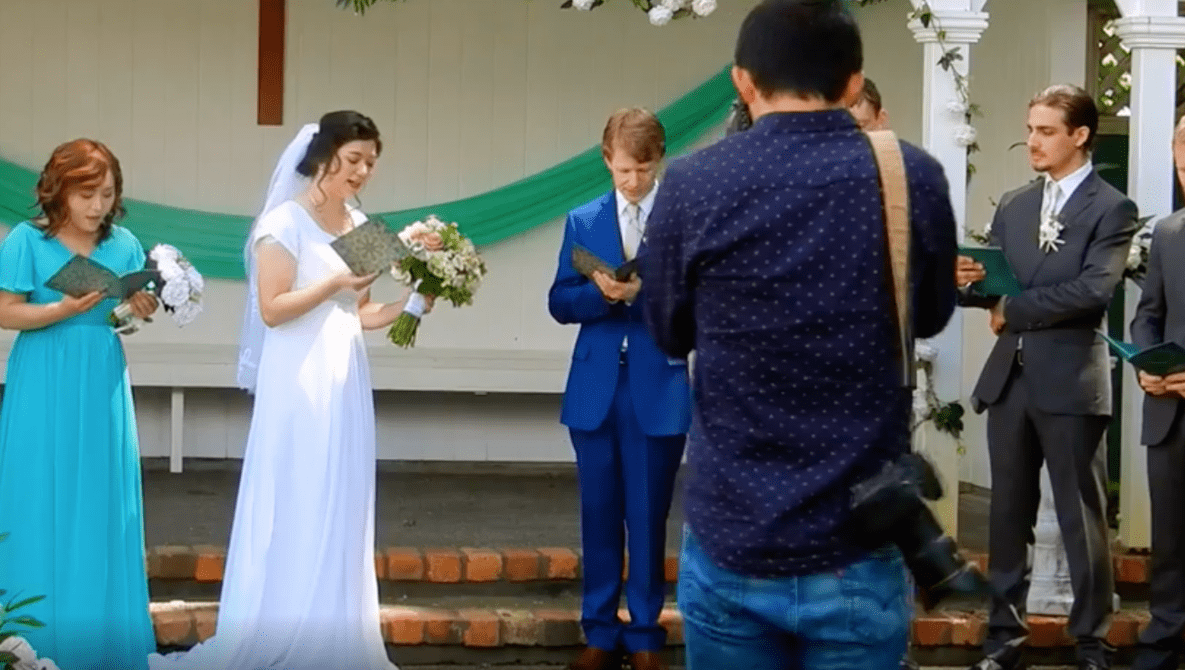 Photographer Photoshopped Wedding Pictures to Make Bride Skinnier Against Her Wishes, Claims to Have Now Deleted the Original Files