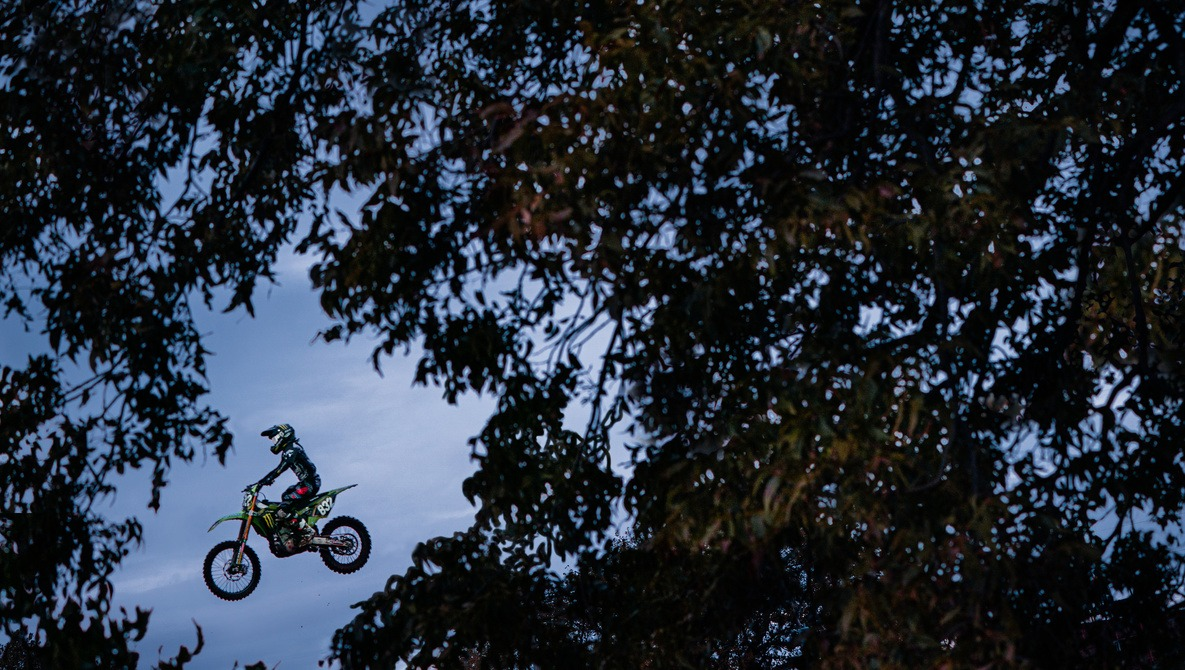 Full Time Wedding Photographer Shoots Motocross for the First Time: This Is What I Learned