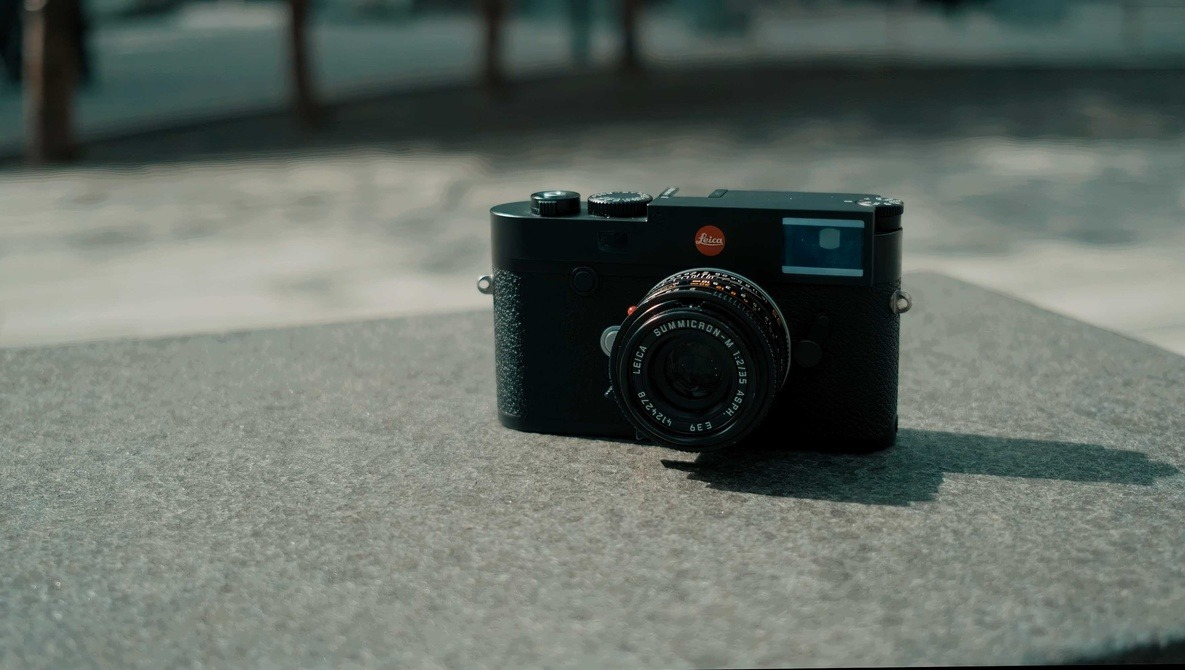 There's Something Magical About Leica: M10-R vs Fuji X-T3 and Sony a7R III