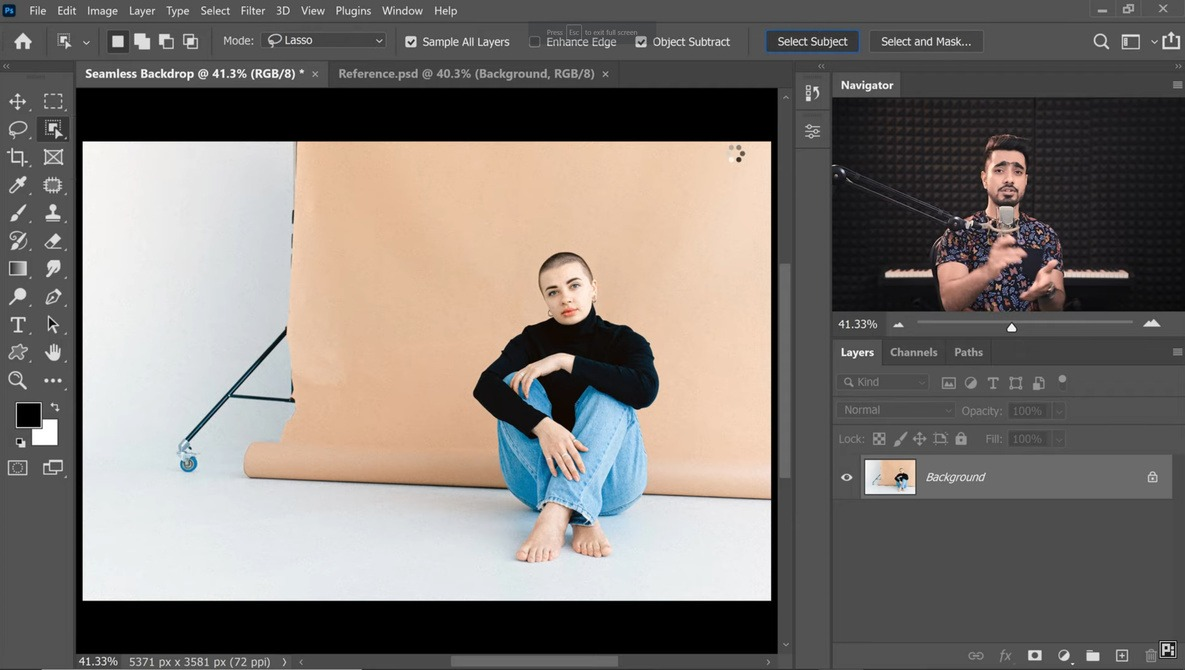 How To Create Seamless Backdrops in Photoshop