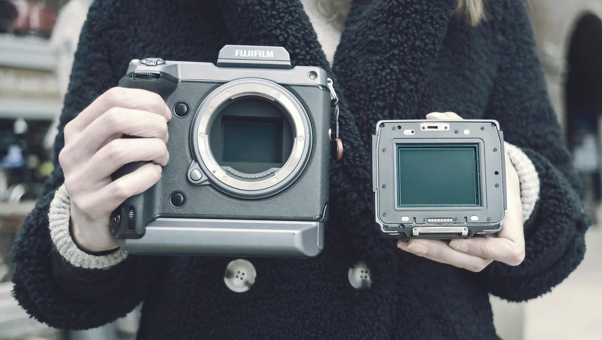 Fujifilm Pixel Shift Versus Hasselblad Multi-Shot: 400-Megapixel Files Compared