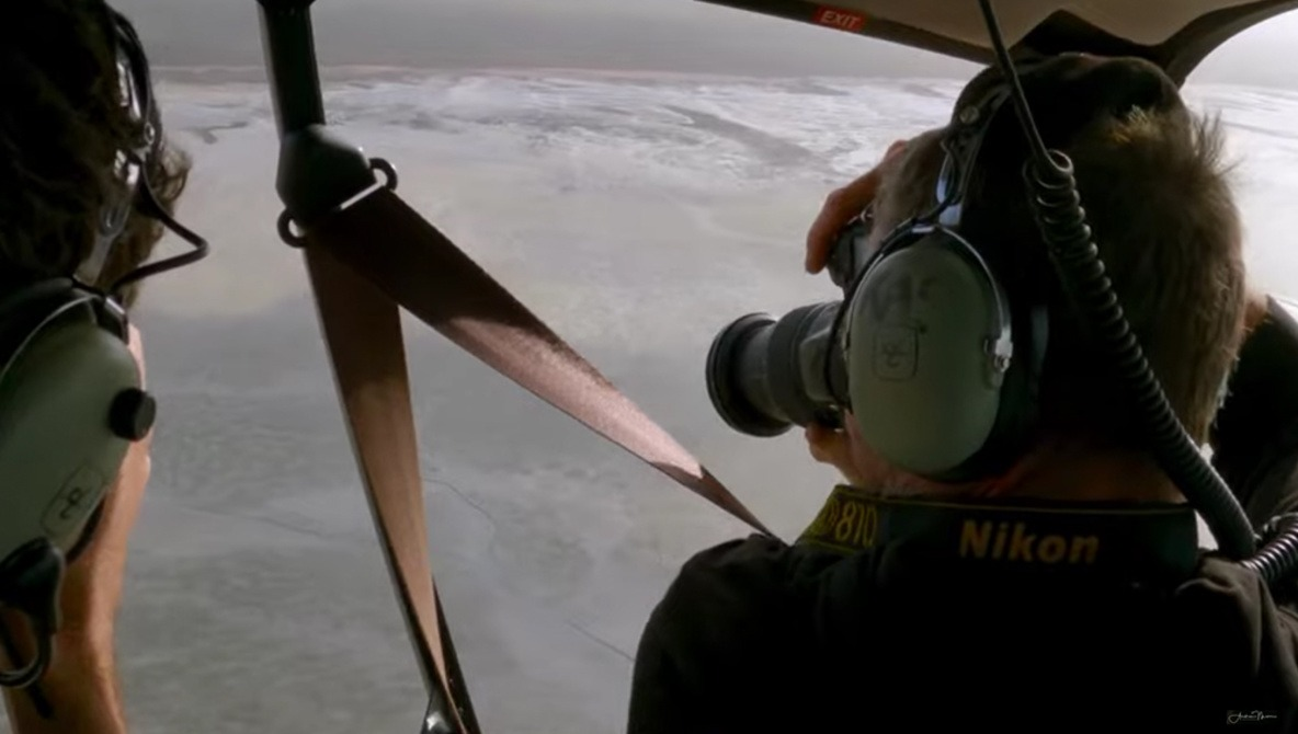 How a Photographer Works From a Plane