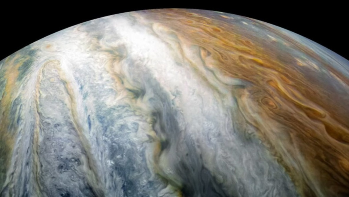 The Incredible Photographs of Jupiter From a Two-Megapixel Camera Flying Through Space