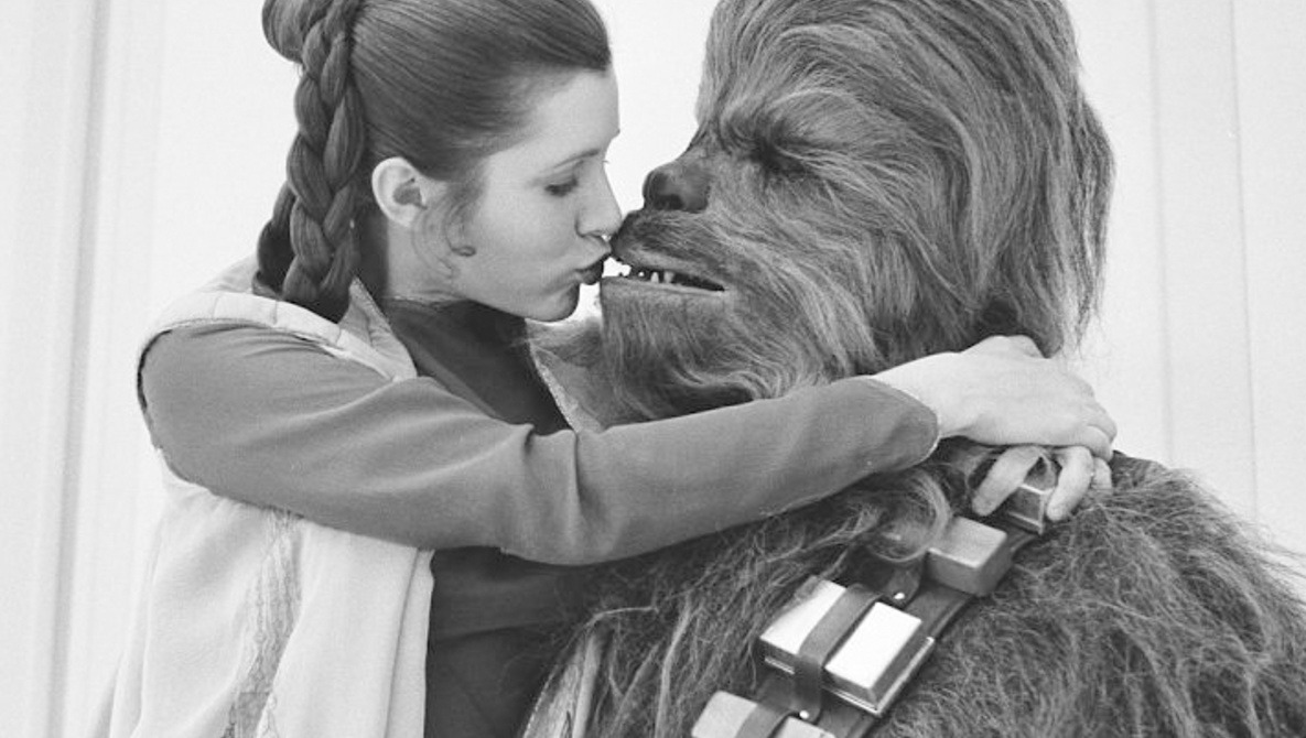 [Pics] Rarely Seen Behind The Scenes Shots From Star Wars