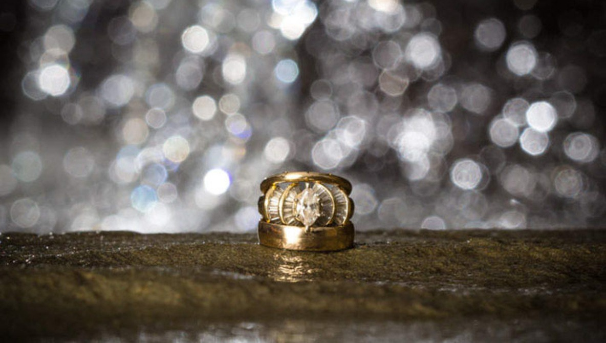 Easy and Elegant Ring Shots in Under 3 Minutes Fstoppers