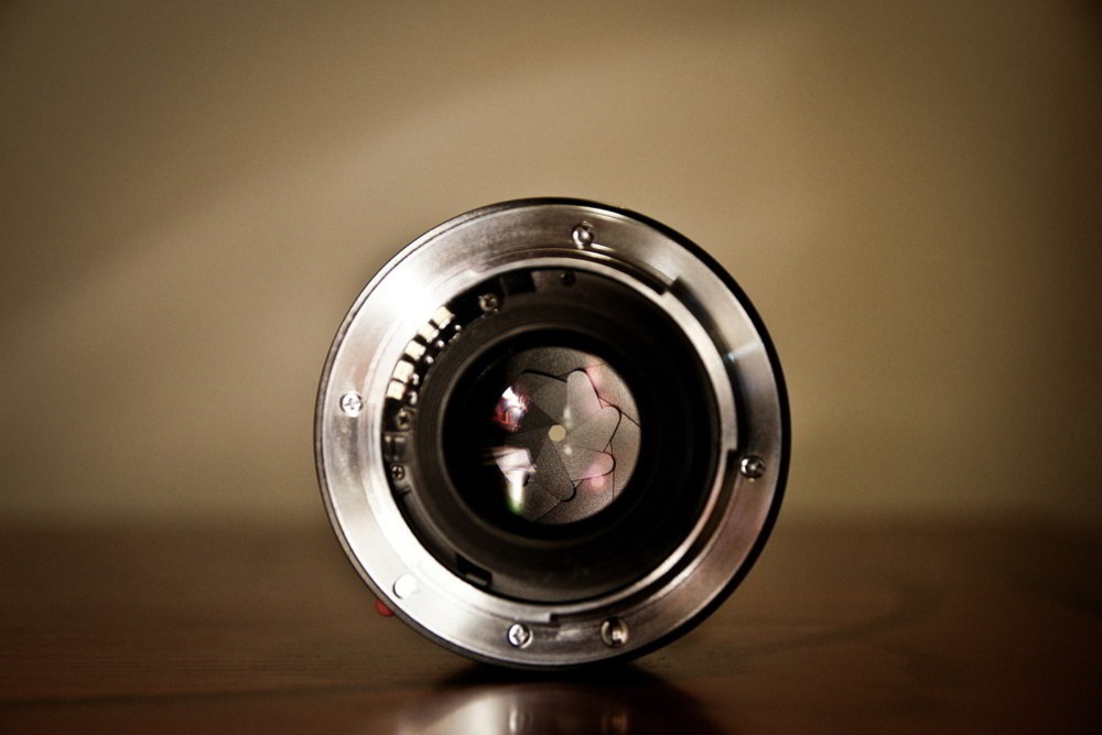 Photography Beyond Zooms: Why Your First Prime Should Be a Fast 35mm