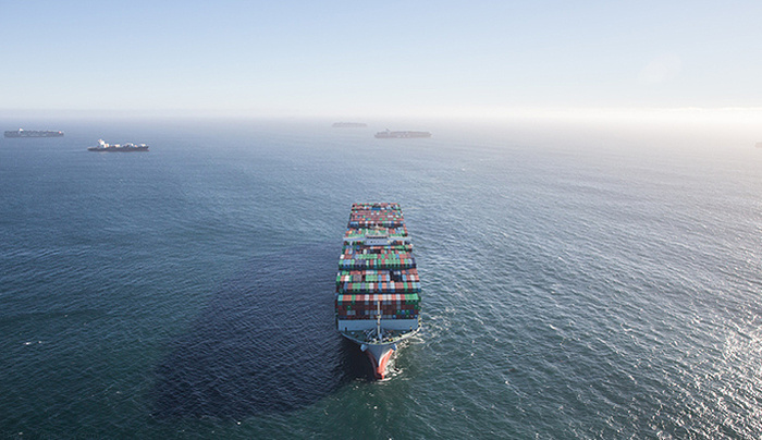 Amazing Aerial Imagery of Overwhelming Trade Traffic off the Coast of Los Angeles