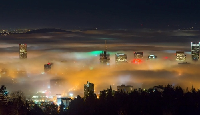 'Inversion Immersion' - Incredible Time-lapse Film Shows the Beauty of Portland Being Swallowed by Fog