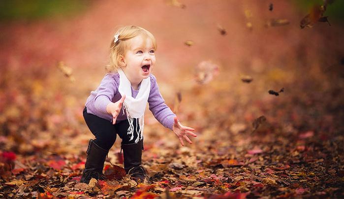 Fallen Leaves as a Secret Weapon for Expressive Child Portraits
