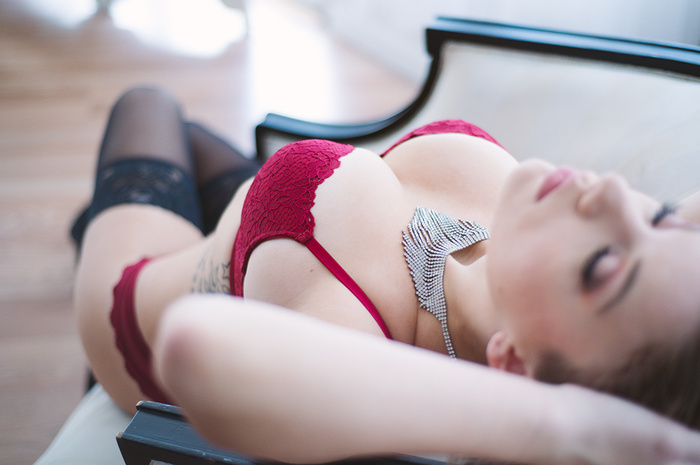 Four Must Have Detail Shots in Your Next Boudoir Session