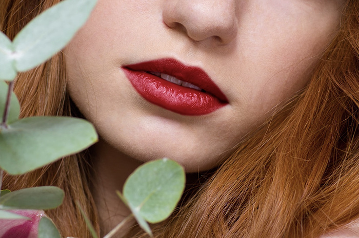 How to Add Lipstick to a Subject Using Photoshop