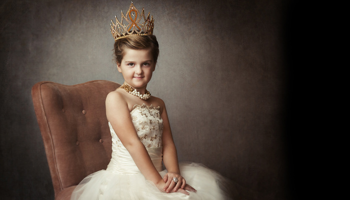 Portrait Photographer Empowers Women, Builds Legacy for Daughter