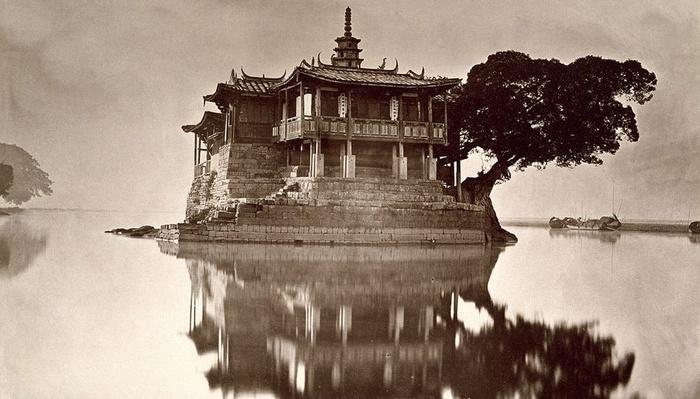 John Thomson: The First Travel Photographer?