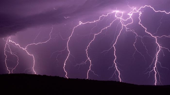 Expert Tips on Photographing Lightning