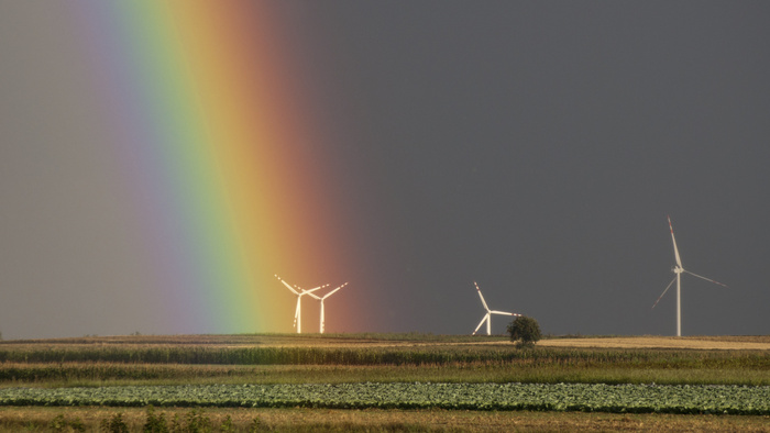Photographer Captures a Rare Rainbow in Jersey