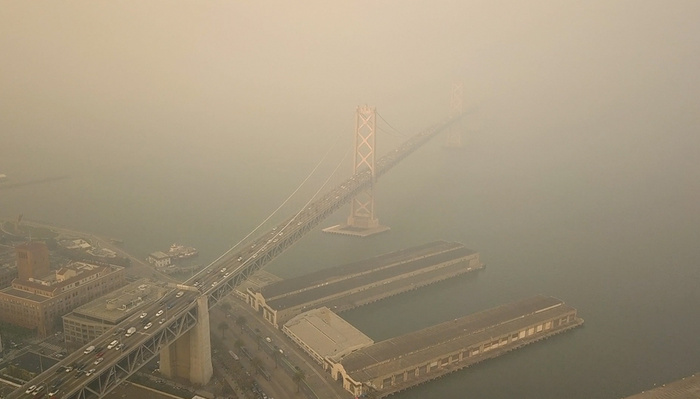 Drone Video Shows Eerie Footage of San Francisco Shrouded in Smoke From Wildfire