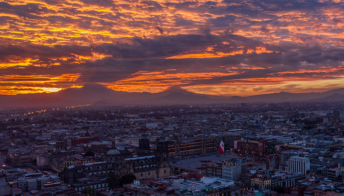 A Beautiful Drone-lapse Video of Mexico City