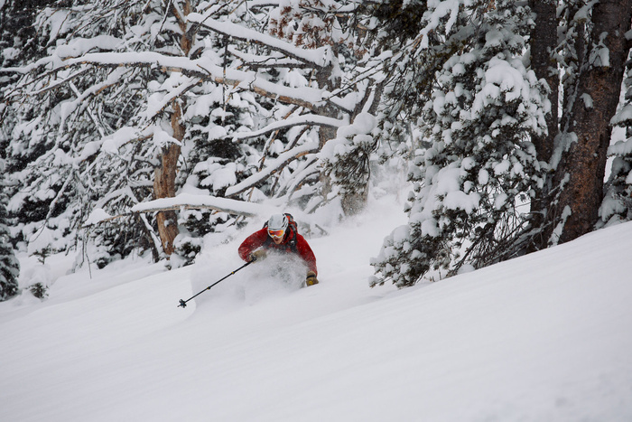 Behind the Scenes With Ski Photographer Oskar Enander