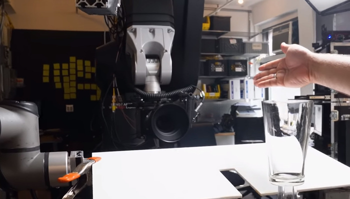 Photographer Uses Robots to Shoot Commercial Videos