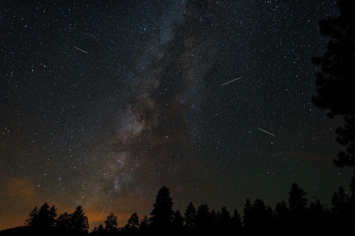 3 Pieces of Gear You Can't Forget When Photographing the Perseid Meteor Shower