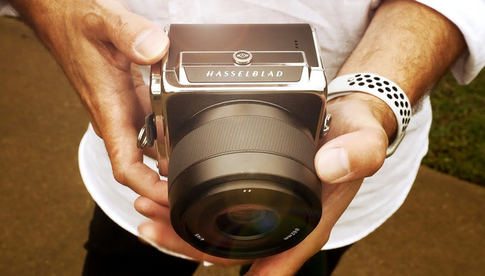 Is This the Best Camera Released in 2020? Hands On With the New Hasselblad 907X 50C