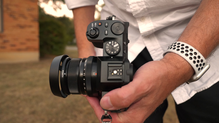 An Early Hands-on Look at the New Fujifilm X-S10