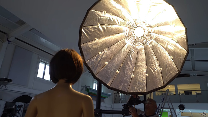 Are There Any Benefits to a Parabolic Softbox, or Are They a Marketing Gimmick?