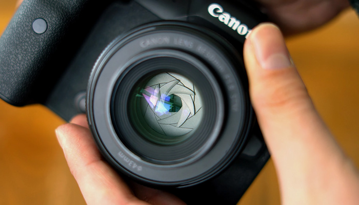 How Good Is Canon's Affordable Mirrorless Nifty Fifty?