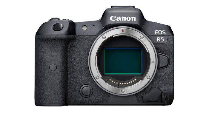 The Canon EOS R7 Is Likely Coming Next Year