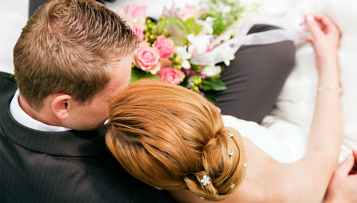 Wedding Photographer Contracts COVID-19 After Groom Doesn't Disclose Positive Test