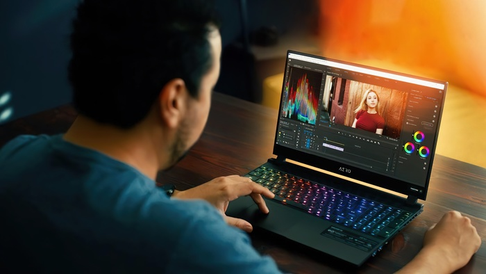 This Windows Laptop Challenges the Speed of Apple's M1 MacBook Pros