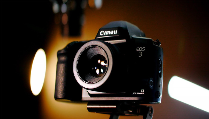This Film Camera Has a Feature Digital Cameras Should Have