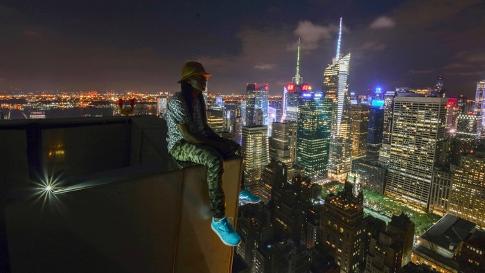 'Urbexing' With Social Media Photographer Vic Invades