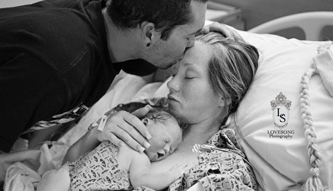 A Very Emotional Portrait Session of a Family with Their Stillborn Daughter