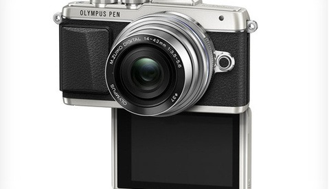"Olympus Announces New PEN E-PL7 ""Selfie-King"""