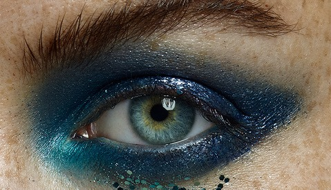 How to Naturally Whiten Eyes in Photoshop and Capture One