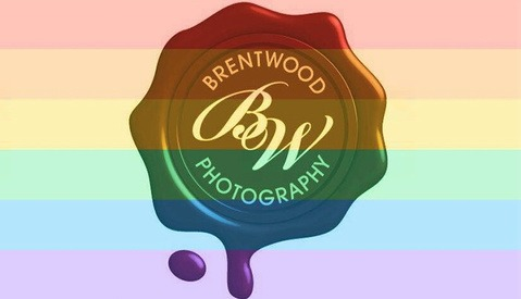 Photographer Receives Cancellation Request After Supporting Gay Marriage And Responds Perfectly