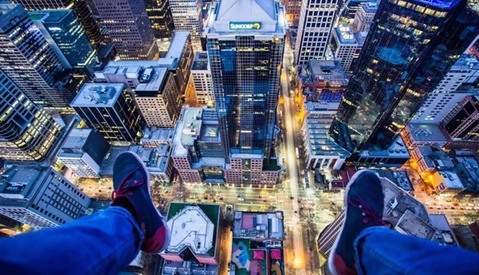 Skyscraper-Climbing Self-Dubbed 'Spiderman' Photographer Used $15,000 of Stolen Equipment to Capture His Images