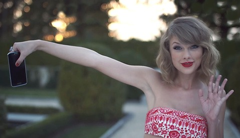 Taylor Swift Revises Photo Contract After Backlash from Media