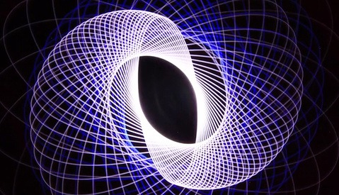 This Everything-You-Need-to-Know Tutorial Shows How to Make Spirograph Light Paintings