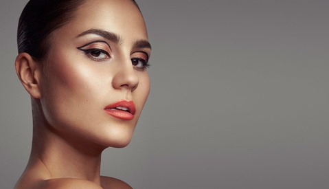 How to Enhance Skin Texture With Sharpening and Luminosity Masks