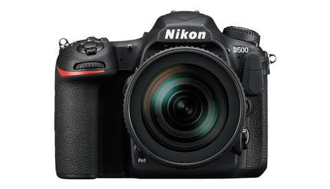 Fstoppers Reviews the Nikon D500