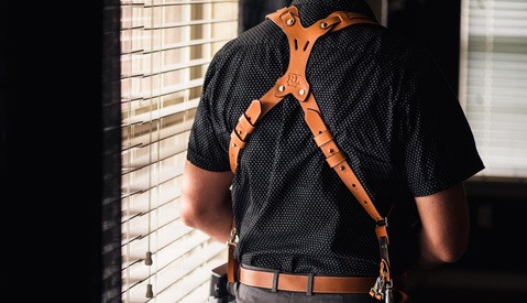 Fstoppers Reviews the RL Handcrafts Clydesdale Pro-DLX Dual Camera Strap