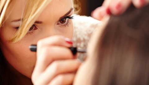 The Ultimate Guide to Finding a Makeup, Hair, and Wardrobe Stylist
