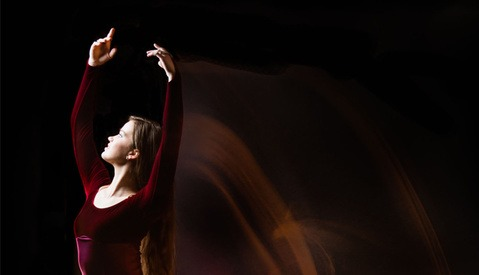 BTS: Combining Strobe and Continuous Lighting for a Dancer Studio Portrait