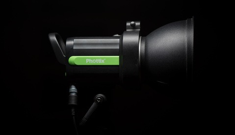 Fstoppers Reviews the Phottix Indra500 TTL