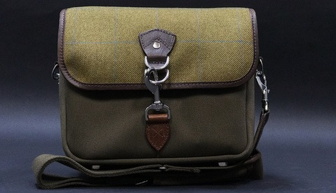 Fstoppers Reviews the Hawkesmill Small Camera Bag
