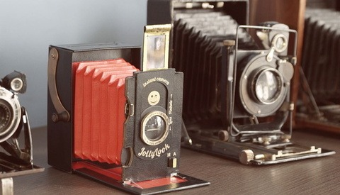 The Jollylook: A Quirky Cardboard Camera for Instant Photography
