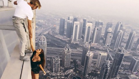 This Model Dangled Over a 1,000 Foot Drop Without Safety Equipment for the Sake of a Photo